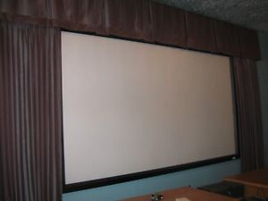 RUNCO Projection Unit and Screen