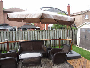 PATIO UMBRELLA WITH STAND FOR SALE - GREAT CONDITION !