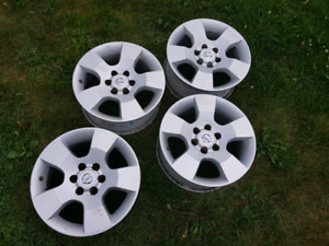 4 Nissan Pathfinder/Frontier Alloy Wheel Rims & TPMS