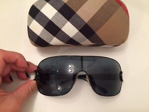 Authentic Burberry sunglasses lunettes de Soleil authentic