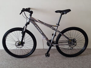 JAMIS DISC BRAKE MOUNTAIN BIKE LIKE BRAND NEW ALUMINUM