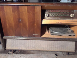 Kuba console stereo for parts.