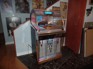 Jukebox Rock-ola  1955  Parfaite condition. $3,500.00 negotiable