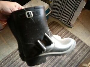 girls shoes- new and used Windsor Region Ontario image 4