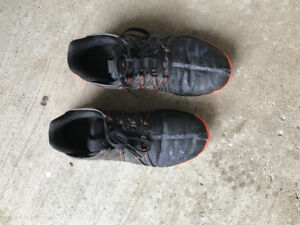 Adidas Size 6. Boys running shoes. Mint. Gently used.