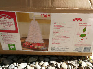 4 ft Pre Lit White Christmas Tree with Ornaments