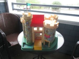 Vintage Fisher Price Play Family Castle  1974  # 993