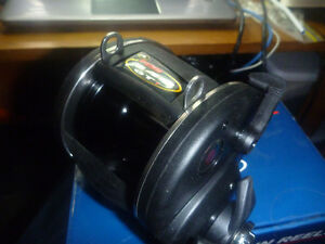 FISHING REEL ( PENN 340 BTi  )  MADE IN USA. NEW IN THE BOX London Ontario image 4