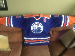 Heroes of hockey edition Gretzky jersey