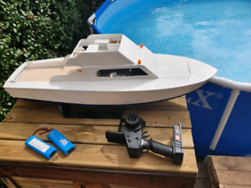 Rc boat for Sale | Hobby, Interest & Collectible Items | Gumtree