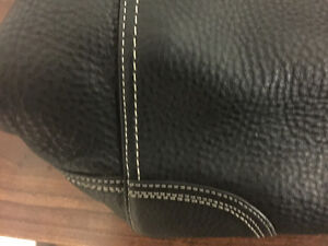 FOR SALE - BARELY USED COACH PURSE IN MINT CONDITION London Ontario image 4