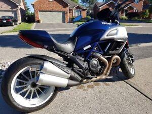 2013 Ducati Diavel Blue