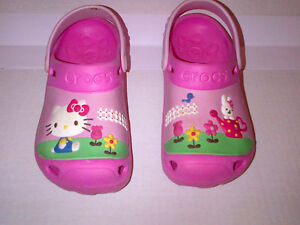 CROCS  Hello Kitty CROCS PINK Kids Size 12 to 13  MINT CONDITION