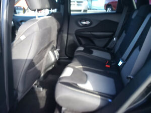 2014 Jeep Cherokee North 4x4, 1 owner clean with clean history London Ontario image 4