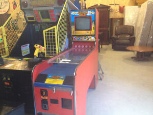Arrow alley arcade game