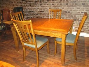 Salle manger cuisine dans qu bec meubles petites for Meuble ashley quebec