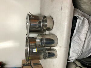 Stainless steel cookware set of 6, near new, asking $50