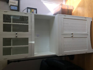 Kitchen hutch in great condition