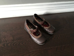Girl's Brown Leather Shoes