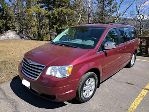 Chrysler Town And Country​ Minivan