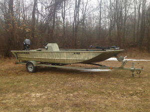 2006 Tracker Grizzly 1860CC Jon boat with Avery Duck Blind