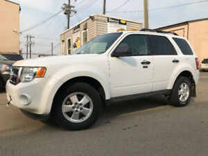 2010 FORD ESCAPE XLT HAS ONLY 106555 KMS AWD BACKUP CAMERA