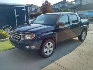 2009 HONDA RIDGELINE PRICED FOR QUICK SALE. SINGLE OWNER !