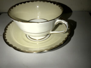 Collingwood Pink Rose Bouquet Peach Tea Cup and Saucer & Gold