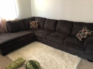 Beautiful and comfortable sectional, like new and very clean