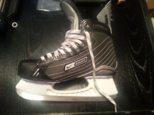 MENS Hockey Skates Bauer used a handful of times