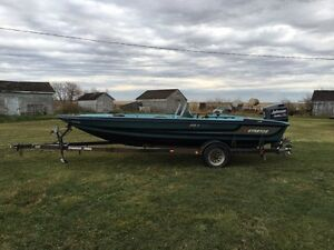 1993 Stratos 19' Fishing Boat