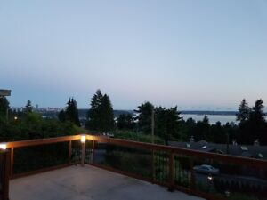 6br AMBLESIDE, FULLY FURNISHED 2-LEVEL, OCEAN, LIONS GATE VIEWS