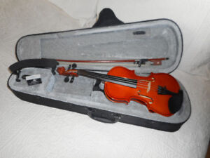 VIOLINS / FIDDLES  $140.00 to $375.00