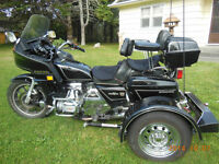 FOR SALE HONDA GOLDWING WITH TRIKE KIT