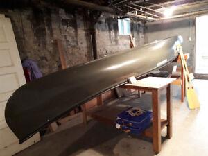 Canot Grand-Mère 16 pieds en fibre de verre