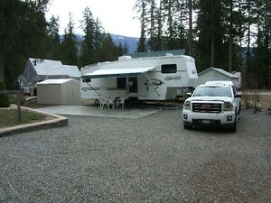 Lot with 28 ft. 5th wheel at Club Kingfisher RV Park