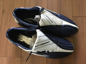 Men's 8.5 soccer shoes and shin guards
