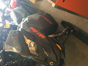 2015 Ski-Doo Summit - New Condition