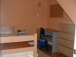 Clean Private 2-bedroom Apartment for Fleming Students Kawartha Lakes Peterborough Area image 4