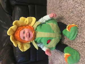 Adorable Baby Flower Halloween Costume size 6-12 months