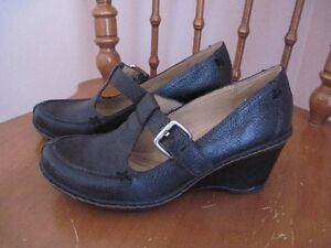 CASUSAL BLACK LEATHER SHOES