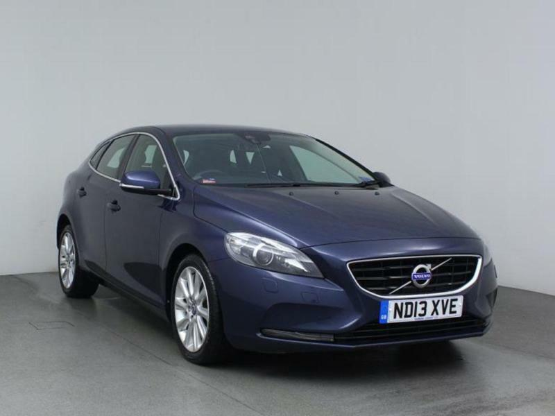 2013 VOLVO V40 D2 SE Lux Leather Bluetooth Zero Tax
