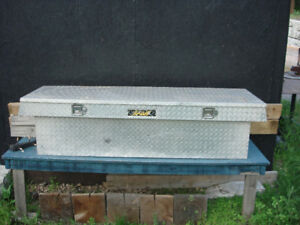 Aluminum Truck Bed Crossover Tool Box