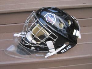 Junior Goalie Ice Hockey Mask (Olie) with Dangler