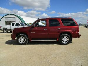 2003 Cadillac Escalade 3rd Row Lthr Roof 4x4 Low KMs