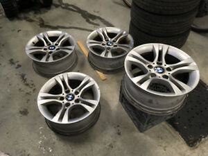 4 BMW mags ( wheels , roues. 16 inches )