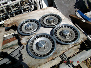"FORD   15"" hubcaps for sale Kingston Kingston Area image 1"