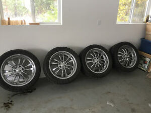 22inch rims on 33 in black bear tires. Fits f150s from 04-2014