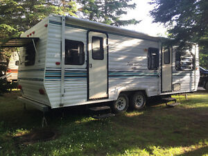 1995 26 foot Four Winds $4200 OBO