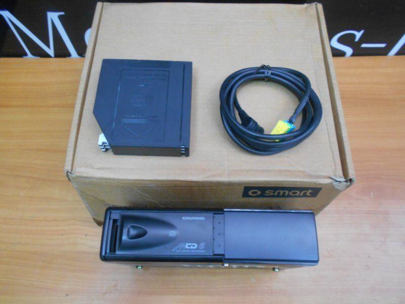 Brand New Genuine CD Changer Smart 452 - Q0015984V003000000